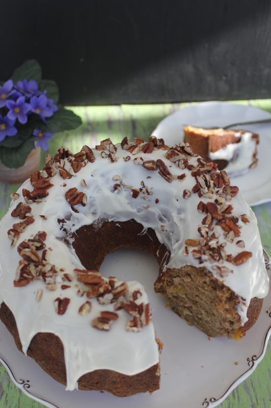 Hummingbird Cake 1V