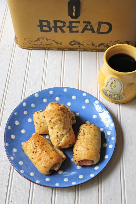 Prosciutto Breakfast Rolls 2V