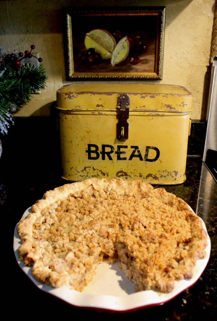 Apple Crumble Pie 2v