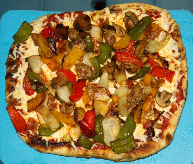 Pizza, vegie and sausage